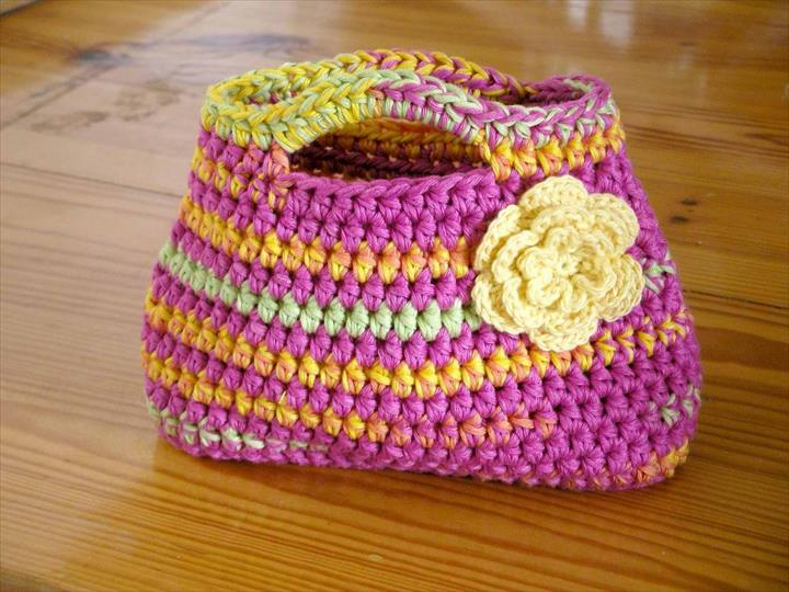 Crochet Small Tote Bag Pattern : 50 DIY Crochet Purse, Tote & Bag Patterns DIY to Make