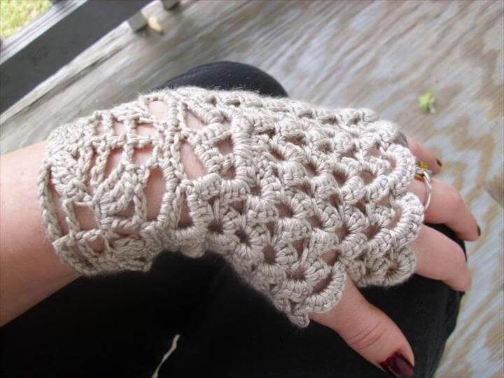 Free Crochet Patterns Lace Gloves : 48 Marvelous Crochet Fingerless Gloves Pattern DIY to Make