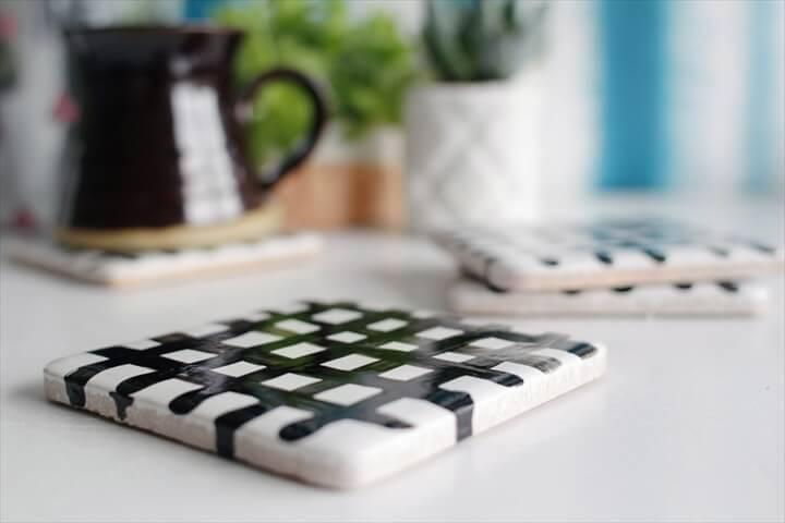 Easy DIY Crisscross Coasters From Tiles
