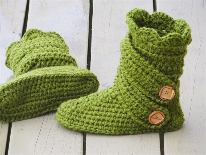 green crochet slipper and side button