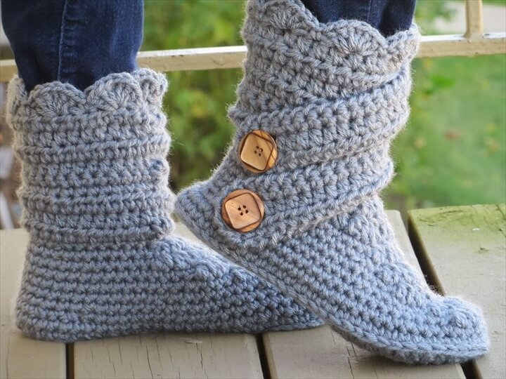 Woman's Slipper Boots Crochet Pattern,