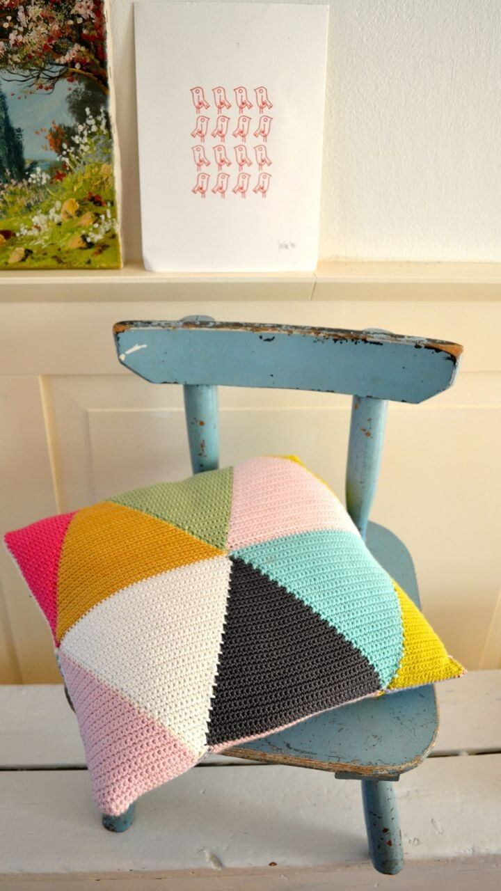 DIY triangle crochet pillow