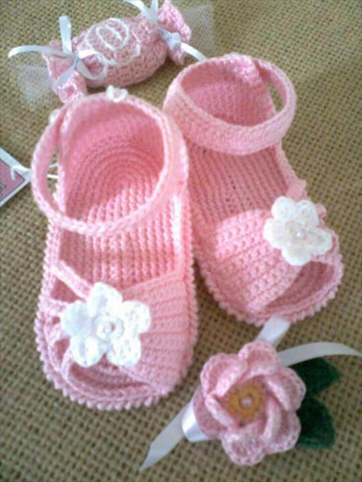 pink and white crochet sandals fro crochet