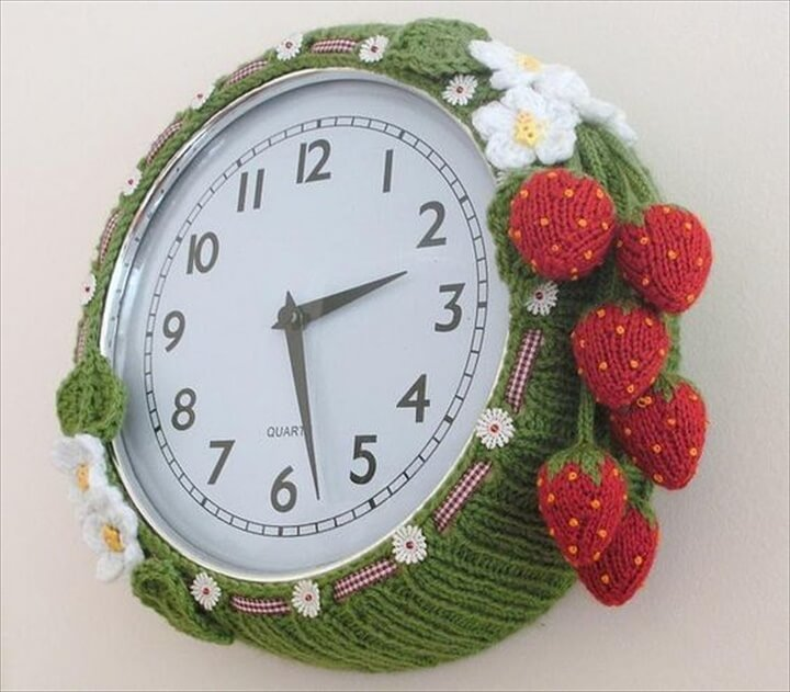strawberry crochet clock