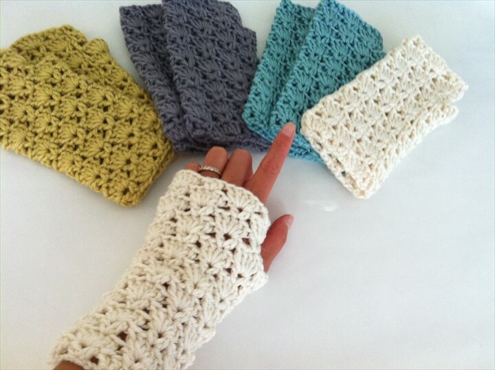 Crochet Shells Fingerless Gloves, Crochet wrist warmer fingerless gloves, Lace fingerless gloves