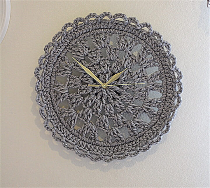 Crochet Wall Clock gray