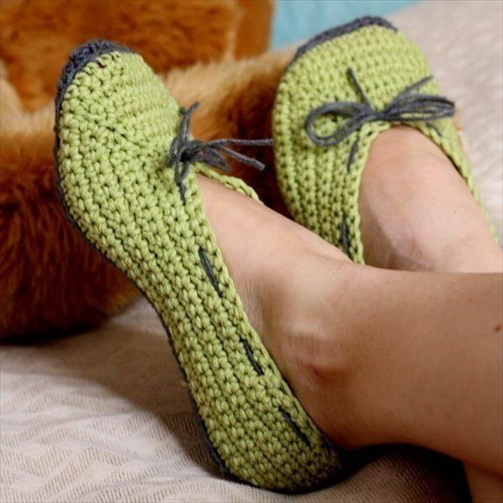 bd96bad8beec1 24 Adorable Crochet Women's Slippers