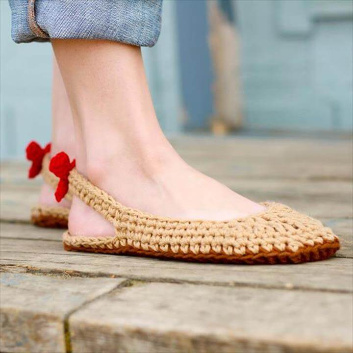 24 Adorable Crochet Women's Slippers