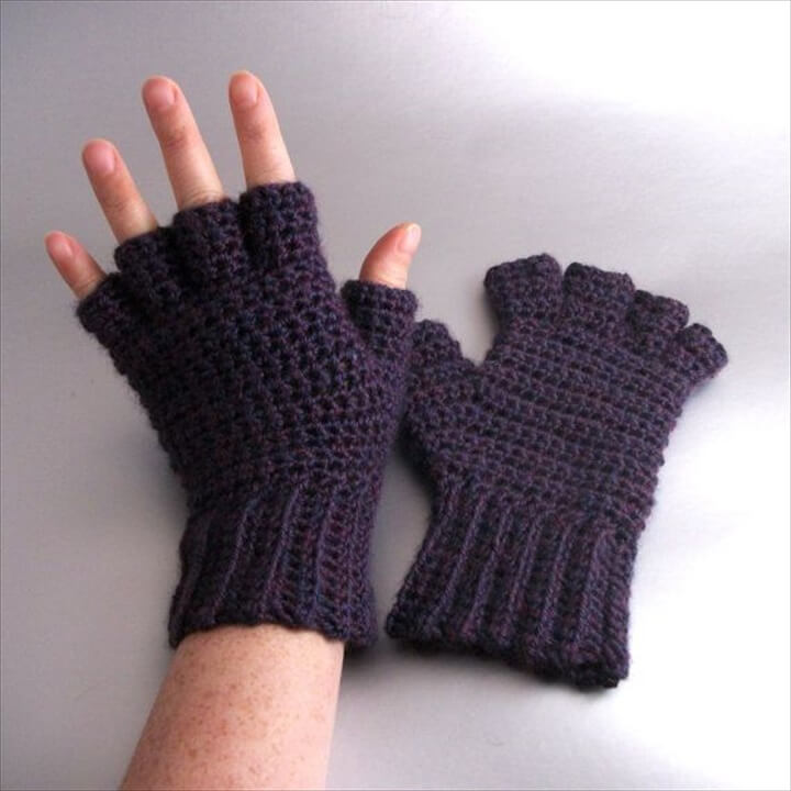 Plum Mist Heather Half Finger Crochet Gloves