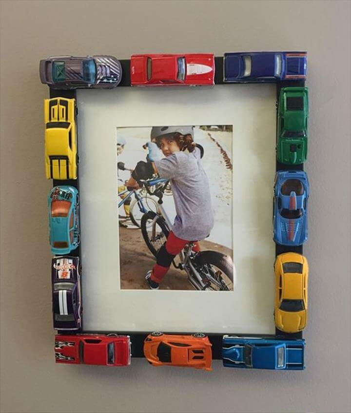 Customize your own picture frame using Hot Wheels cars with this simple arts and crafts projec