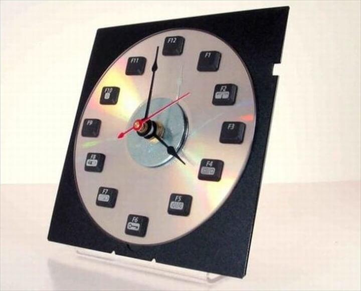 diy keyboard clock