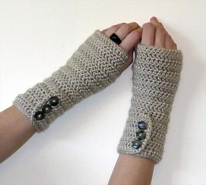 Button up Fingerless Gloves
