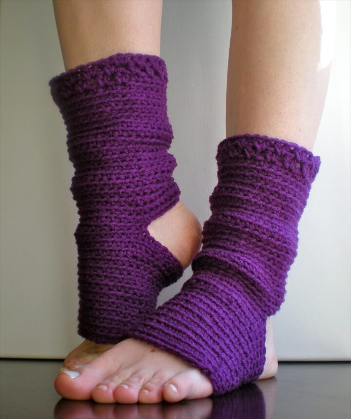 Easy Knitting Pattern For Yoga Socks : 20 DIY Crochet Leg Warmer Ideas For Girls DIY to Make