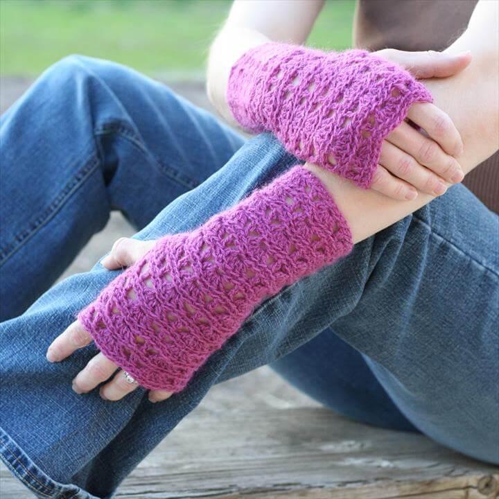 Ripple Lace Fingerless Gloves