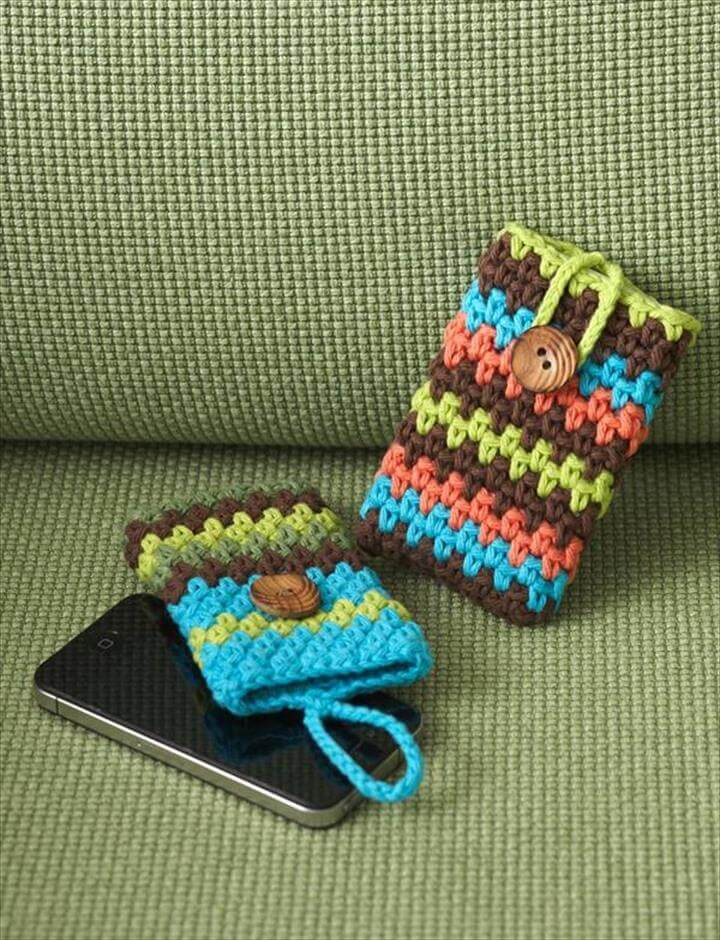 Smart phones that are so famous now days, they need a special treatment. We can not take risk to just place them anywhere, this becomes mandatory to take all the protective measures for them due to their delicacy, crochet mobile covers are a best answer o this.