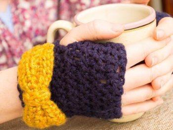 Crochet bow gloves