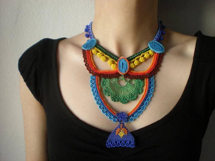 different colors crochet necklace