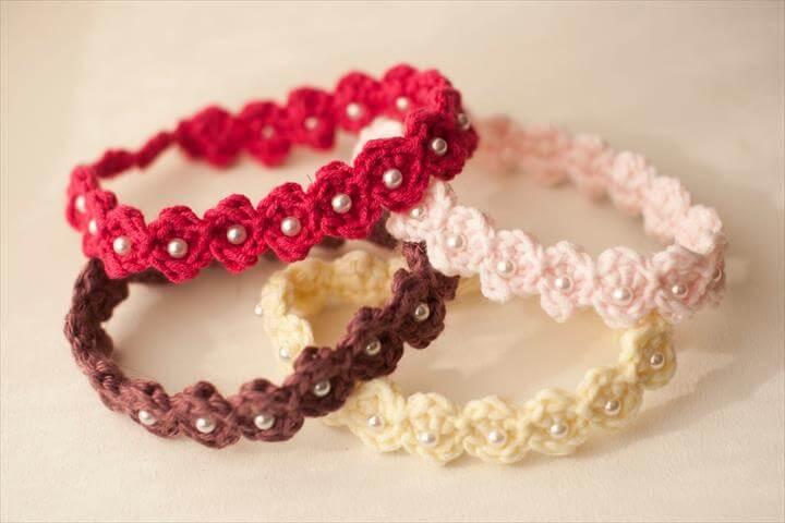 60 Eye Catching Crochet Bracelet Tutorials Diy To Make