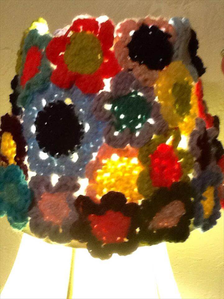 Crochet flower lamp shade
