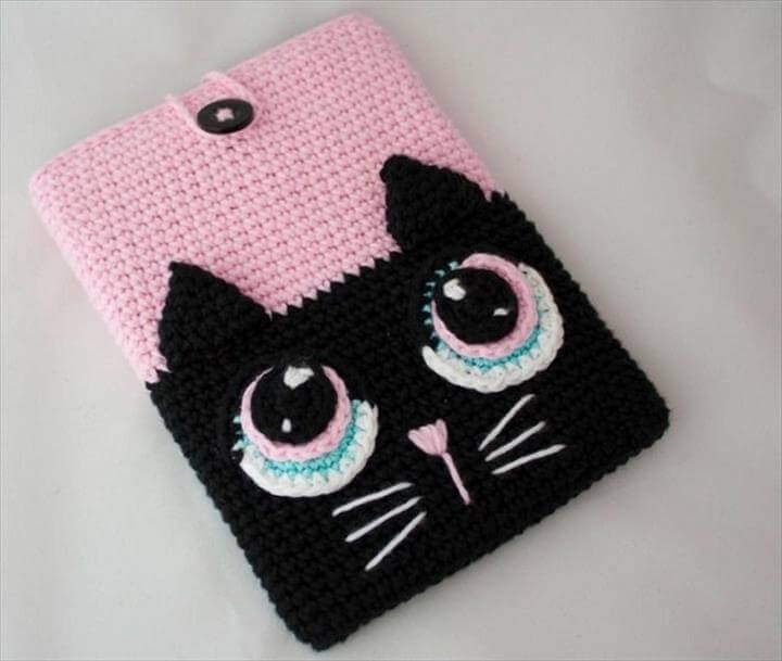 kitty crochet phone cover