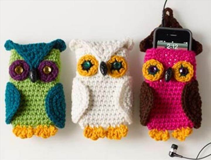 three crochet owl phone cover