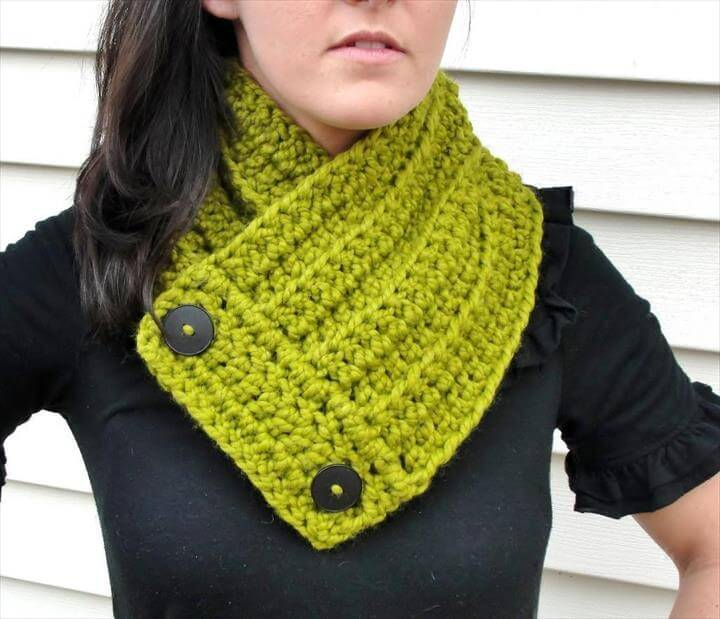 green crochet neck warmer