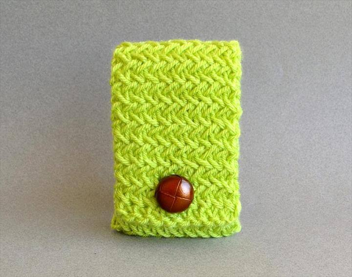 nice color crochet phone cover