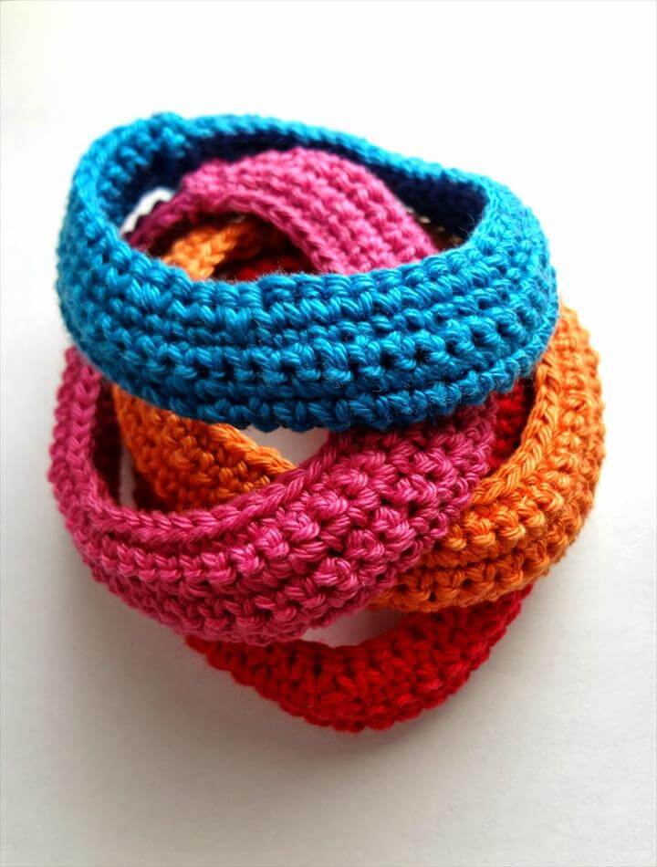 simple and easy to make crochet bracelets