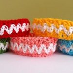 60 Eye-Catching Crochet Bracelet Tutorials
