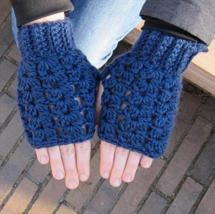 V Stitch Fingerless Gloves