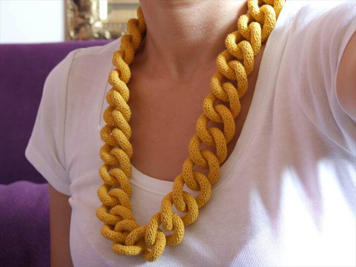 Curb Chain Crochet Necklace
