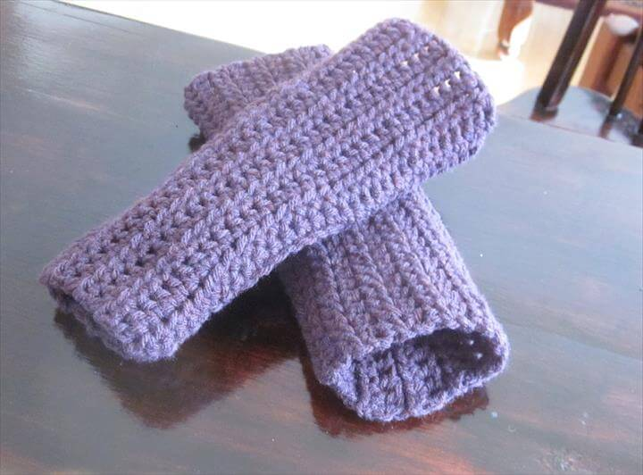 Simple croceht gloves