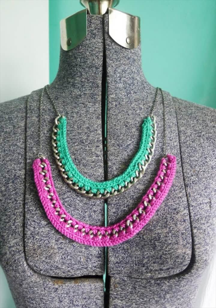 crochet two colors necklace