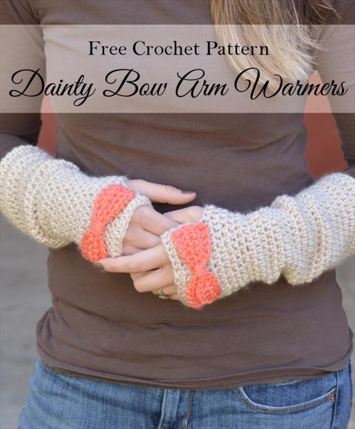 3a962af1a5c5c8 Free Crochet Pattern - Dainty Bow Crochet Arm Warmers