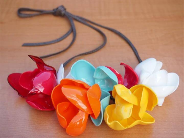 spoon flower necklace