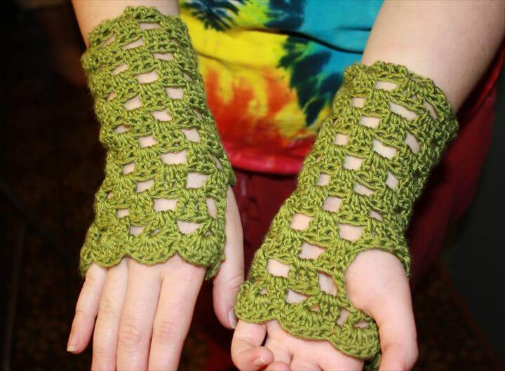 Fingerless Gloves with Ties