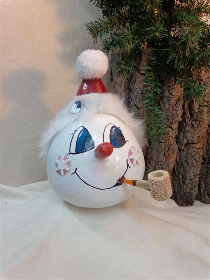 Hand painted and hand crafted Snowman gourd art , Lightbulb Ornaments, Lightbulbs and Painted Light Bulbs