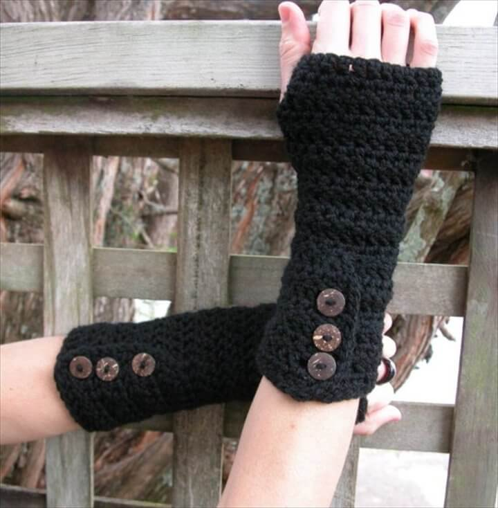 crochet wrist warmers with button