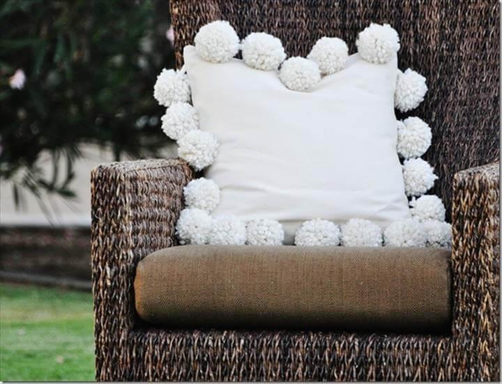 DIY Mondo Pom Pillow