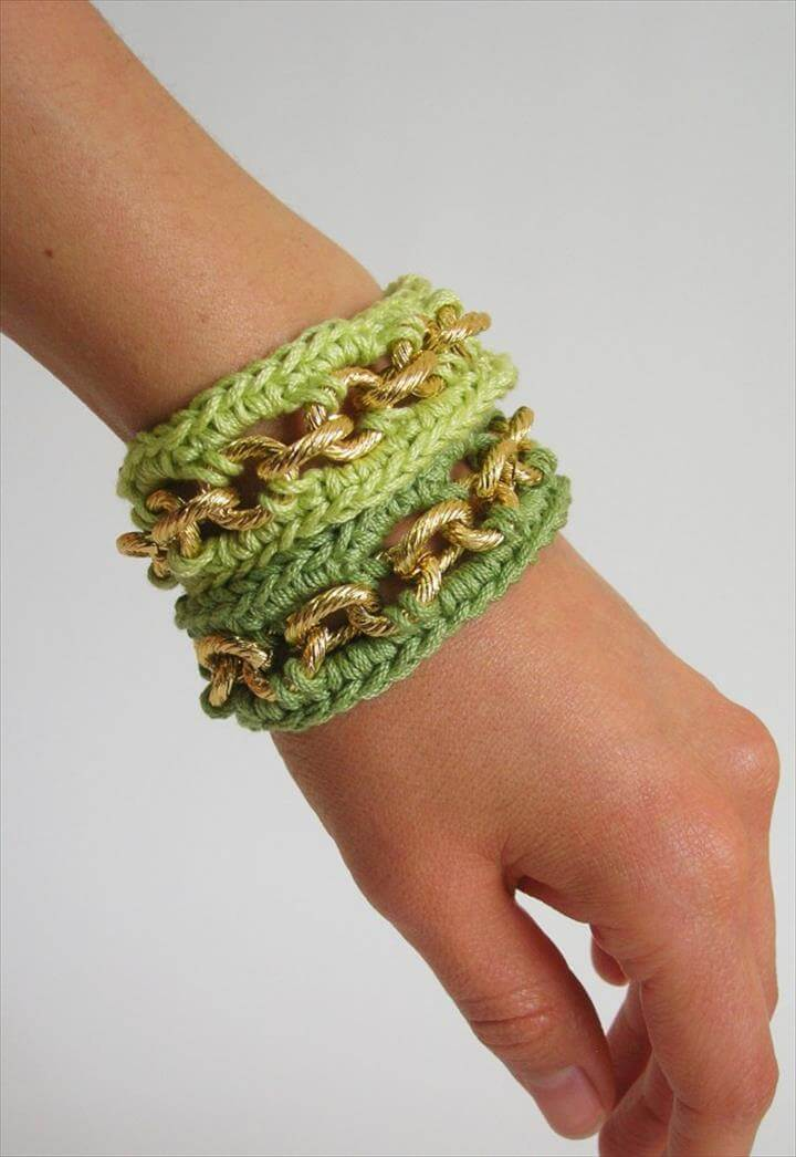 crochet chained bracelet