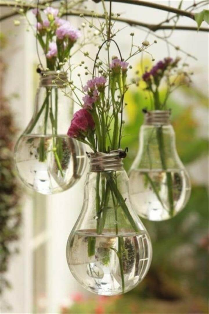 Recycling Ideas – Old Light Bulb