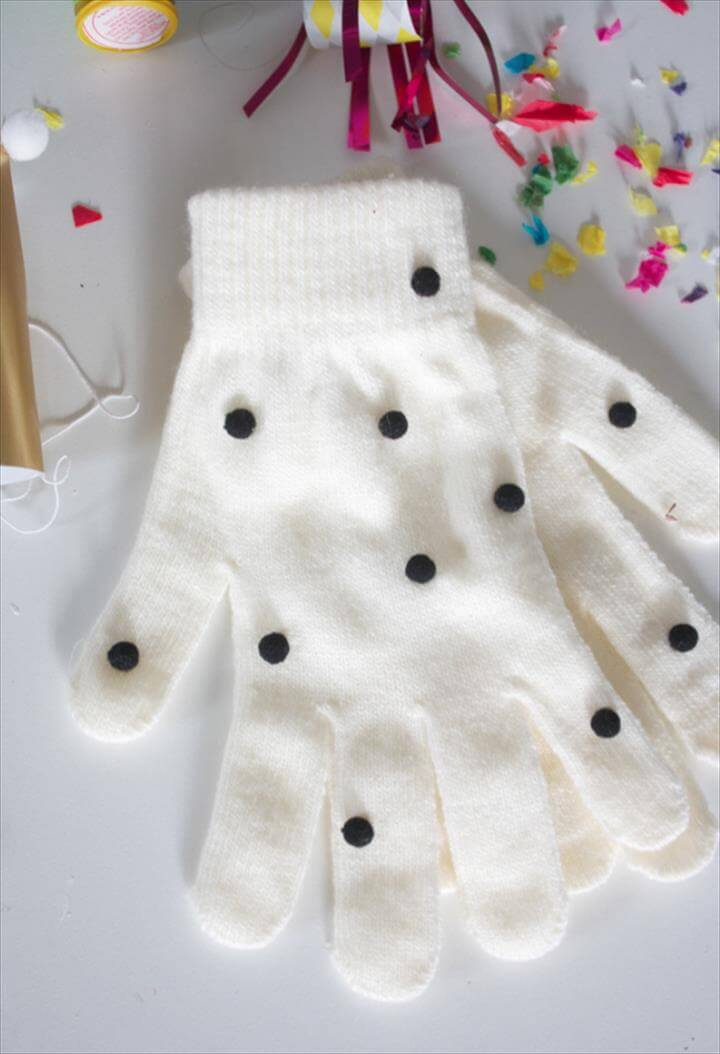 DIY Pom-Pom Gloves
