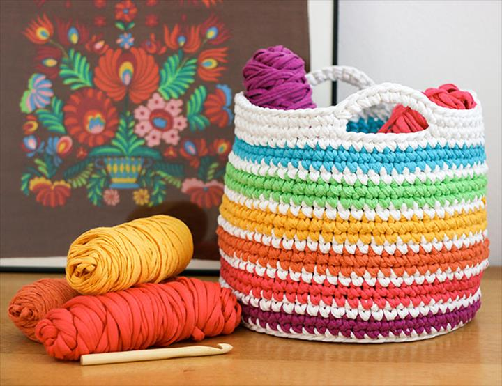 FREE Crochet pattern, rainbow storage basket