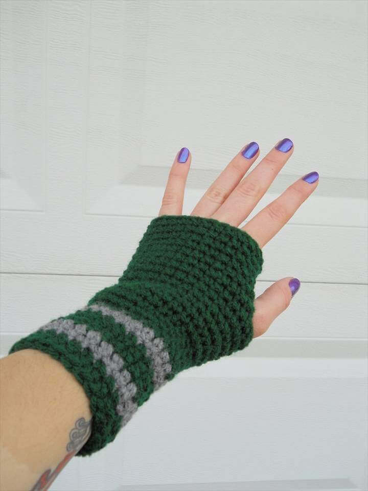 Slytherin crochet arm warmers