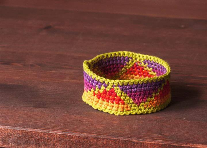 Tapestry Crochet Bracelet Tutorial