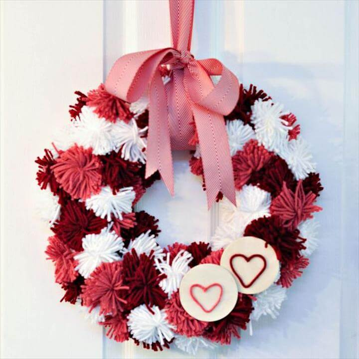 pom pom wreath design
