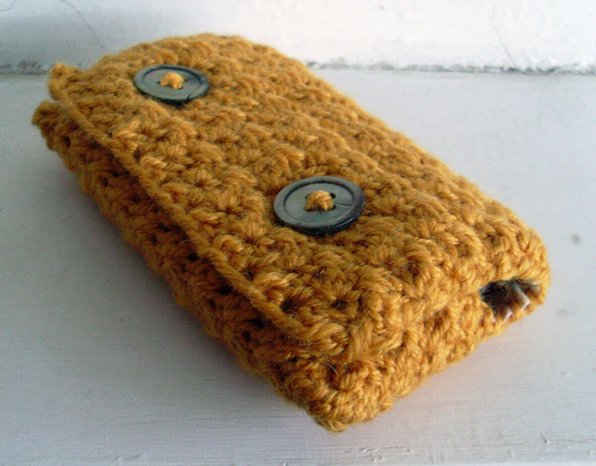 simple and easy to make crochet phone case