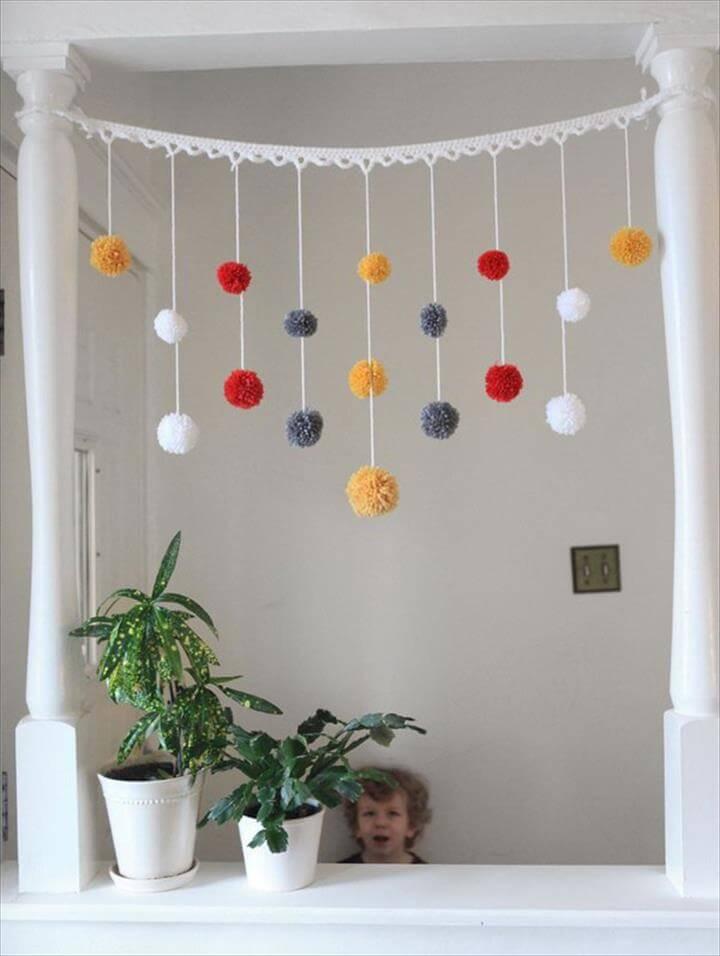 yarn-pom-pom-garland