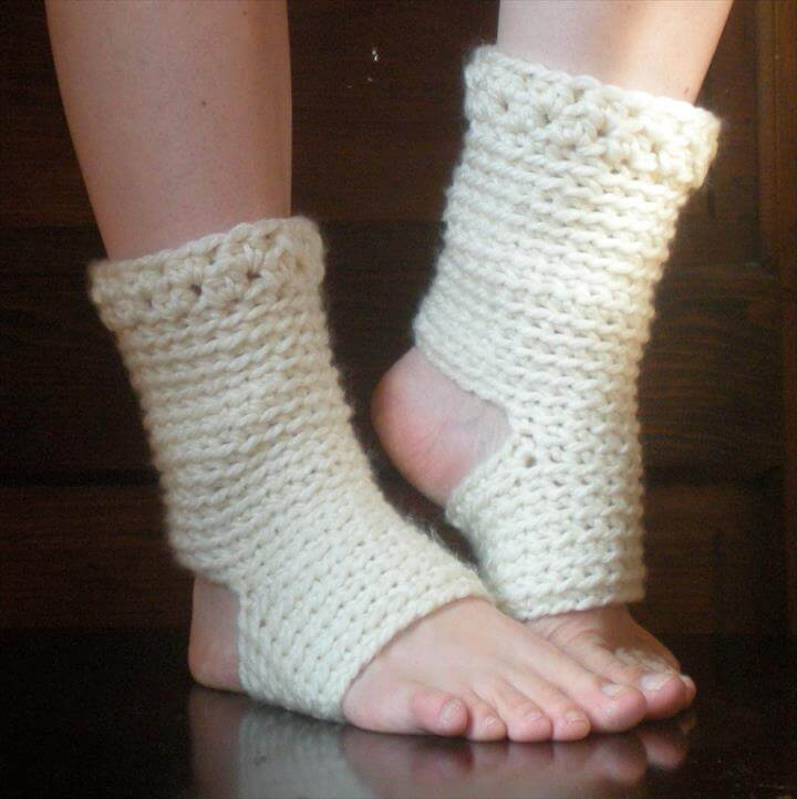 The pattern is easy crochet, using basic crochet skills and supplies.