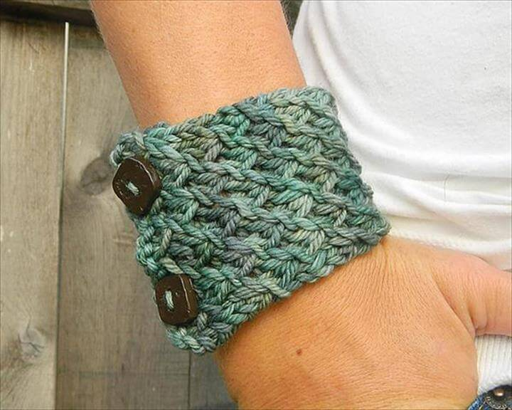 Crochet Bracelet with Button Accent: